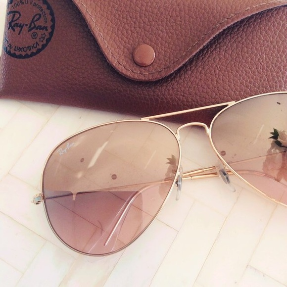15f634c49e4c Ray ban rose gold aviators. M 5b1df17095199621c1376163